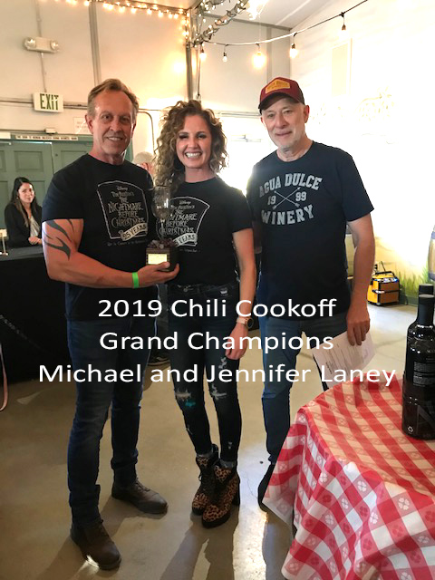 Agua Dulce Winery chili cook-off grand champions Michael and Jennifer Laney